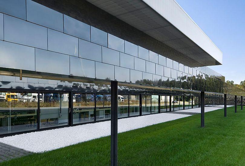 SIPOS AKTORIK, NÜRNBERG,  Metallfassade, Fassade, Trapezblech, Edelstahl-Schindel-Fassade, Schindeln, Metallschindeln